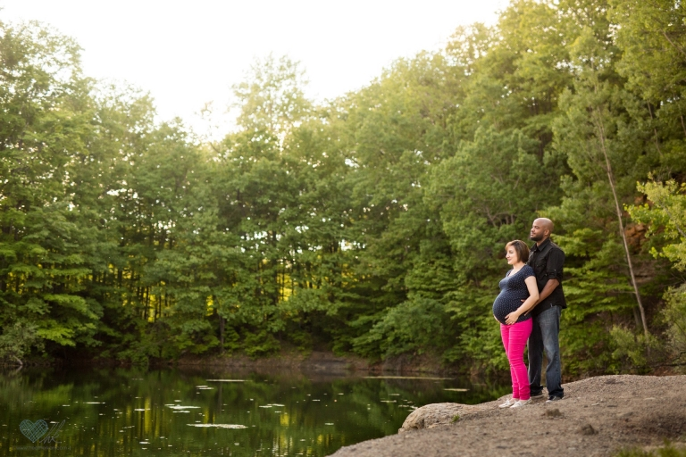 Maternity photographs Lincoln Brick Park Grand Ledge MI (10)