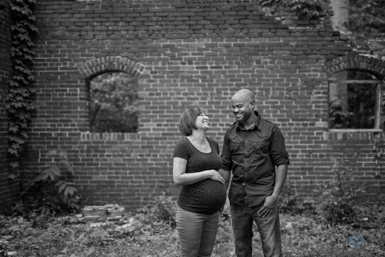 Maternity photographs Lincoln Brick Park Grand Ledge MI (2)
