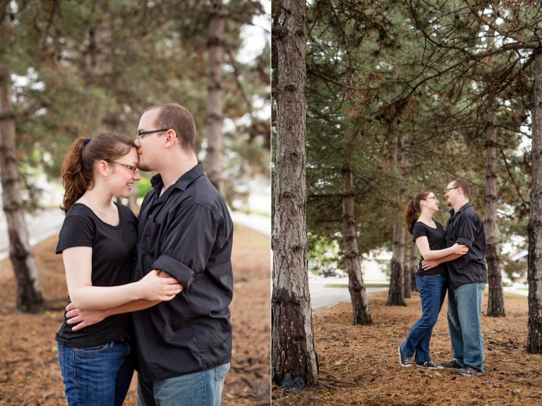 relaxed Grand Rapids engagement session at Ah-Nab-Awen park (12)