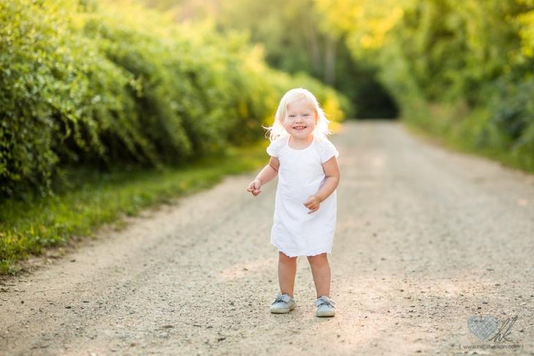 Grand Ledge toddler photographs outdoors