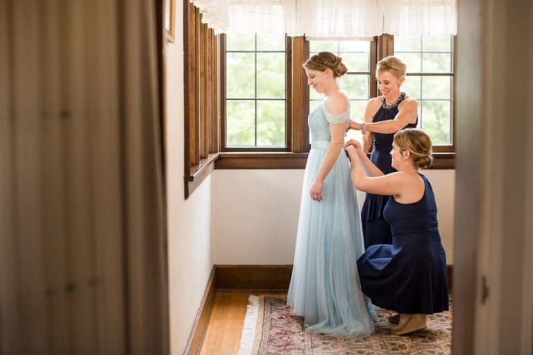 Bride's getting ready room at the Kellogg Manor House